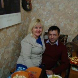 Семейная пара ищет девушку для интимных встреч в Кирове