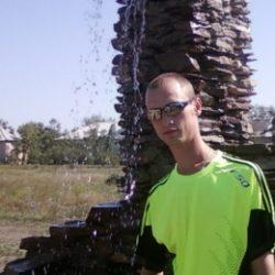 Парень, ищу девушку для минета в Кирове