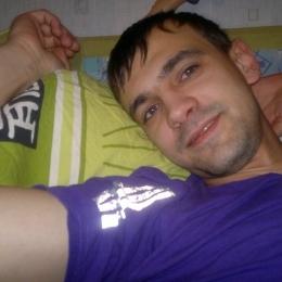 Парень ищет девушку/женщину в Кирове, которая поможет стать мужчиной. Хочу, что бы научила всему.