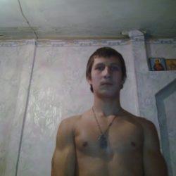 Я парень. Разыскиваю симпатичную и развратнаю девушку для секса в Кирове