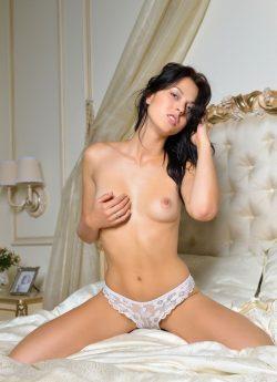 Развратная девушка ищет в Кирове приятного мужчину для секса